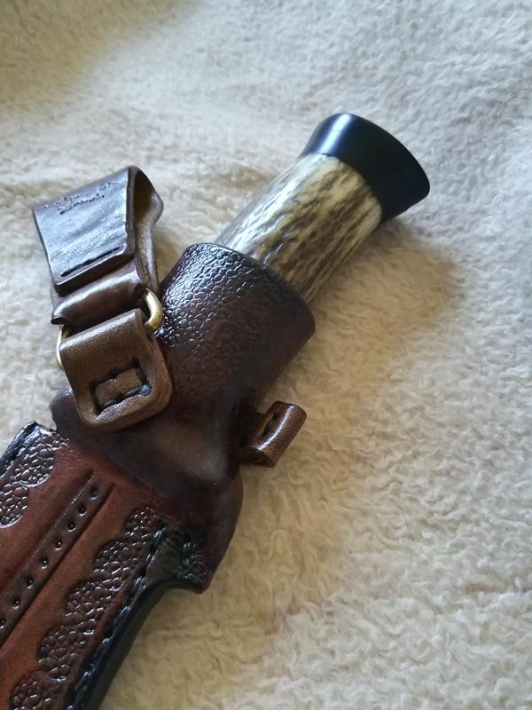 кания-за-нож-baco-1995-кожена-ръчно-гравирана